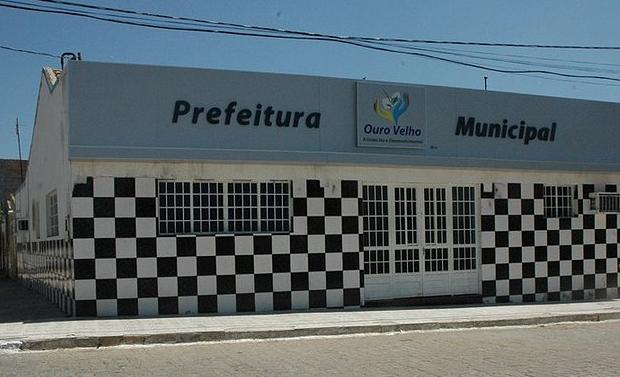 Prefeitura de Ouro Velho paga parcela dos atrasados deixados pela gestão anterior