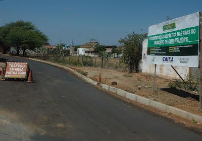 Obras de pavimentação asfáltica nas ruas de Ouro Velho devem ser entregues nos próximos meses