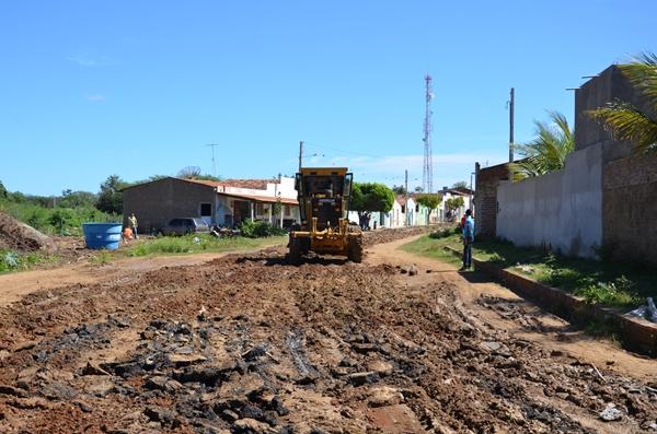 Prefeitura de Ouro Velho dá inicio das obras de pavimentação asfáltica, pelas ruas da cidade