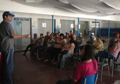 Prefeitura de Ouro Velho realiza encontro entre produtores de leite