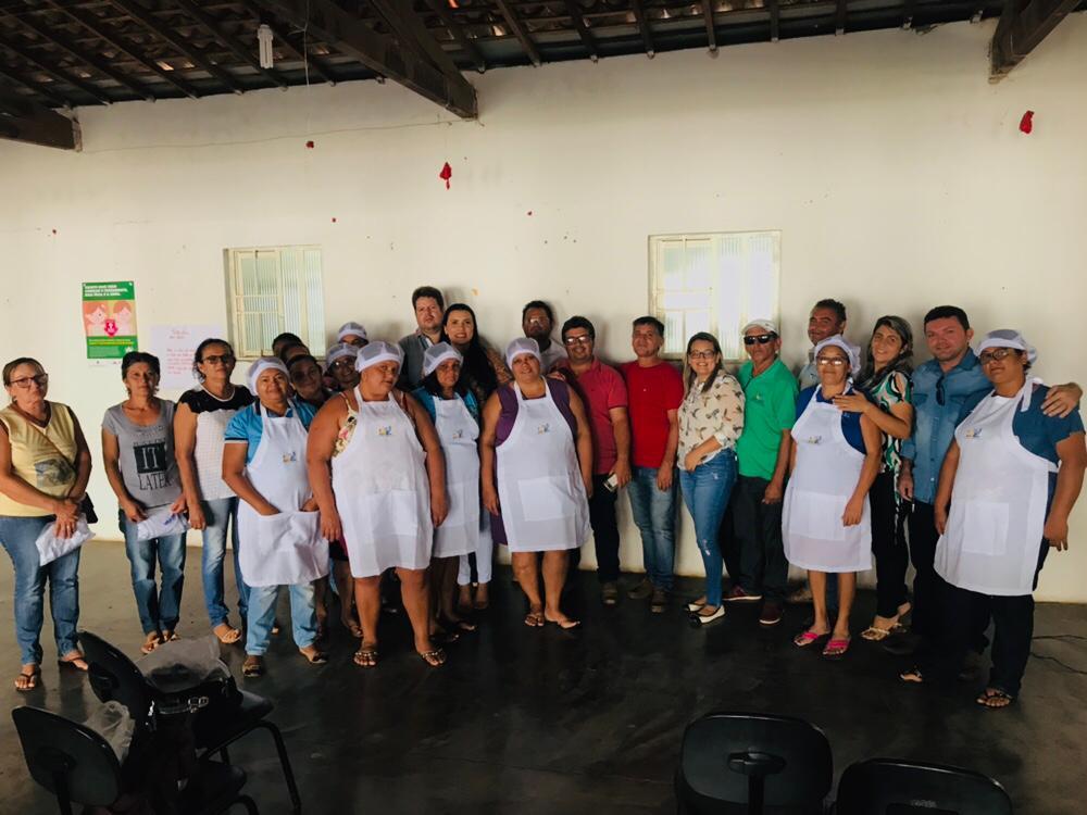 Prefeitura de Ouro Velho entrega EPI's para as merendeiras do município