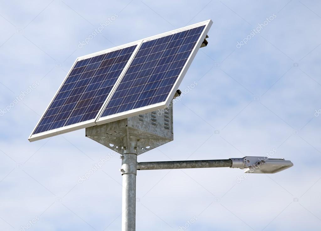 Prefeitura instala luminárias de energia solar em rua de Ouro Velho