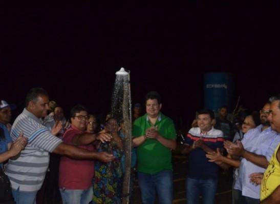 Prefeitura entrega adutora e beneficia a comunidade do Alto dos Pedro em Ouro Velho