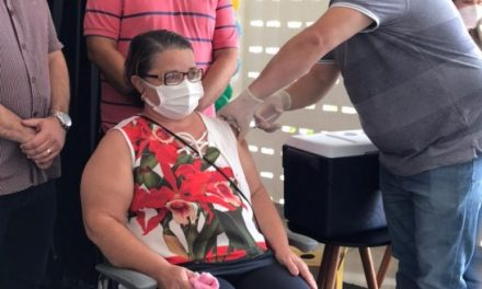 Augusto Valadares emite decreto que disciplina vacinação do COVID em Ouro Velho