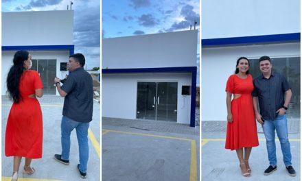Prefeito e ex-prefeita de Ouro Velho visitam obras no município