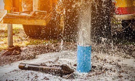 Prefeitura de Ouro Velho dá continuidade ao Programa de perfuração de poços no município. Veja também os vídeos.