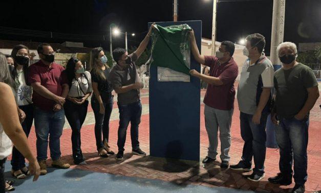Prefeito de Ouro Velho, Augusto Valadares, entrega reforma da Praça Massilon Dantas