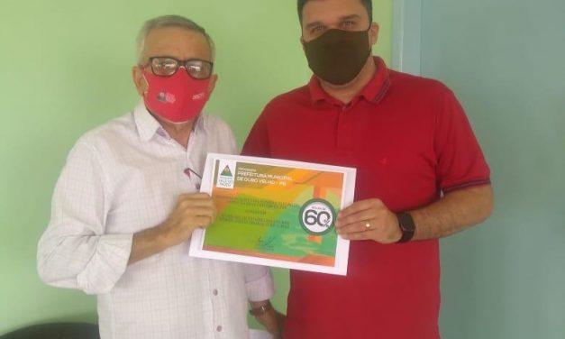 Prefeito de Ouro Velho firma parceria com Faculdade e estudantes ourovelhenses ganham 40% de desconto na mensalidade