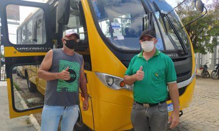 Ônibus escolares de Ouro Velho são aprovados em vistoria