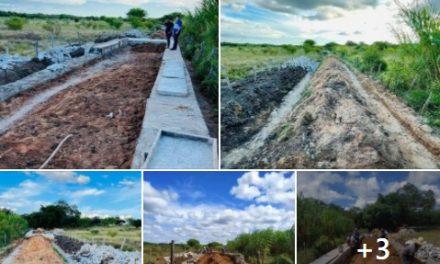 Prefeito visita obra da construção da passagem molhada do Sítio Carnaibinha e comemora adiantamento dos serviços