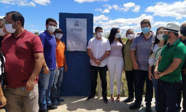 EM OURO VELHO: prefeito inaugura passagem molhada do sítio Carnaibinha