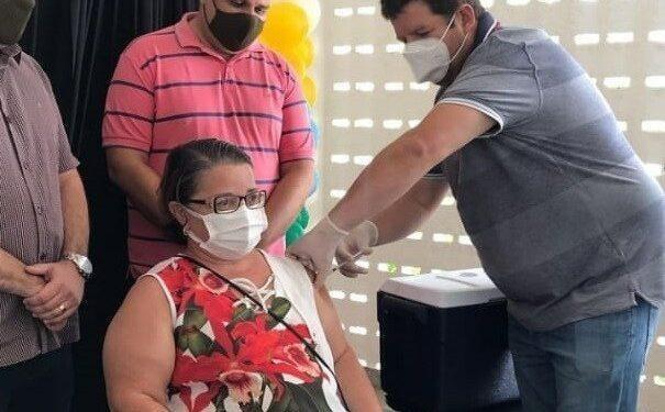 Município de Ouro Velho é premiado pelo Governo do Estado por apresentar a melhor cobertura vacinal da Paraíba